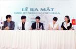(왼쪽부터)홍동현 원장, 조성균 원장, 라니크 류현석 대표, Orlena Le Na 대표, 베트남 배우 지에어 흐엉이 더마제이 브랜드 론칭행사에 참석했다