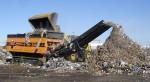 씨드 코리아가 설립한 씨드부강에서 도입한 장비가 산업폐기물을 분쇄하고 있다
