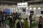 일본 최대 IT 박람회 Japan IT Week Spring 2019의 메가존 클라우드·나무기술 부스 앞에 관람객들이 모여 있다