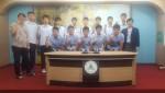 대구경원고등학교 학생들이 굿프랜드 희망나눔 캠페인 참여하고 기념촬영을 하고 있다
