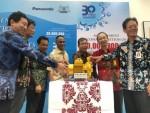 인도네시아 양수기 생산에 관련된 대표자들이 이번 업적을 축하하기 위해 함께 했다