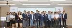 2019 MOSAIC Factory 오픈 기념 세미나 참석자들이 기념촬영을 하고 있다