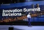 스페인 바르셀로나에서 열린 슈나이더 일렉트릭 이노베이션 서밋 바르셀로나 2019 현장에서 Powering the Digital Economy를 주제로 기조연설 발표 중인 슈나이더 일렉트릭 회장 겸 CEO 장-파스칼 트리쿠아