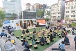인문공감 2019 개막식을 즐기는 시민들
