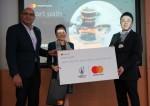 사진 왼쪽: 마스터카드 일본 사장 난단 마루, 사진 가운데: 스타트 패스 아시아태평양 이사 리 리 린, 사진 오른쪽 닛폰플랫폼 회장 겸 해외사업 CEO 다카키 준