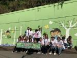 주원 서포터즈 회원들과 함께하는 사랑밭, 사당중학교 학생, 학부모 임직원은 벽화그리기 봉사활동에 참여하였다