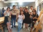 왼쪽부터 두 번째 김명철 수의사와 냥냥트래블 참가자들이 기념사진을 찍고 있다