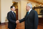 Chairman Cho Hyun-joon of Hyosung Group (left) had a meeting with President Andres Manuel Lopez Obrador of Mexico (right) recently at the Presidential Palace in Mexico City to discuss ways of cooperation between the two parties, including the 'Rural ATM Project'