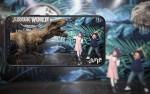 SK텔레콤 롯데백화점 김포공항점에서 열린 쥬라기 월드 특별전에서 Jump AR 동물원 공룡 캐릭터와 사진을 찍고 있다