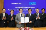 Hyosung and the Linde Group, a leading global provider of industrial gases, signed an MOU to invest 300 billion won until 2022 in their joint enterprise of creating a value chain that covers everything about the setup and operation of liquid hydrogen production, transport and recharging facilities With Chairman Cho and Linde Korea Chairman Sung Baek-seok attending