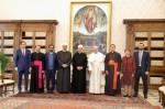 프란치스코 교황과 셰이크 아흐메드 엘 타예브, 알 아자르 대이맘과 함께 한 HCHF 고등위원회 위원들