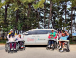 도시가스 민들레카를 지원받아 나들이를 진행 중인 한 노인복지기관(방주요양원)