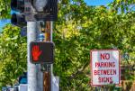 리노의 네바다 응용연구 센터인 네바다 대학교는 보행자, 자전거 운전자 및 교통을 감지, 계산 및 추적하기 위해 벨로다인 Ultra Puck 라이더 센서를 교통신호와 통합했다