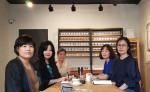 왼쪽부터 비대면 힐링아로마체험교육프로그램 회의 중인 IACC교강사 장미연, 최승완, 박양숙, 김윤경, 이선민
