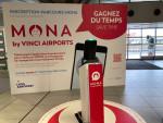 프랑스 리옹 공항의 스마트폰 앱인 모나로 집에서 승객들의 안면이 등록되기 때문에 번거로운 등록 절차를 거치지 않고 공항 전반을 자유롭게 통과할 수 있다