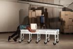 전시 '러브송은 멈추지 않아'에서 만날 수 있는 노제현 작가의 'WORKER IN THE BOX' 중