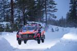 2021 월드랠리챔피언십 2차 대회 핀란드 북극 랠리에서 현대자동차 i20 Coupe WRC 랠리카가 주행하고 있다