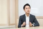 인터뷰 중인 장세영 대표