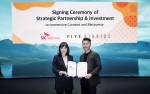 왼쪽부터 전진수 SKT 메타버스 CO장과 김세규 비브스튜디오스 대표가 협약식에서 기념 촬영을 하고 있다