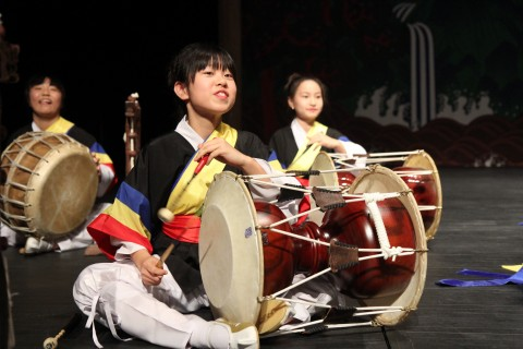 지난해 전국청소년전통문화경연대회 경연에 참가하고 있는 청소년들