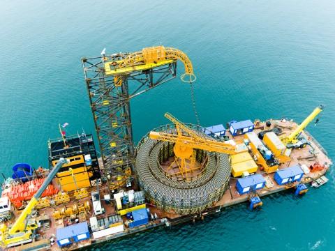 LS전선은 최근 미국 최초의 해상 풍력발전단지에 해저케이블 공급을 완료했다