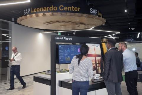 싱가포르 SAP 레오나르도 센터 부스