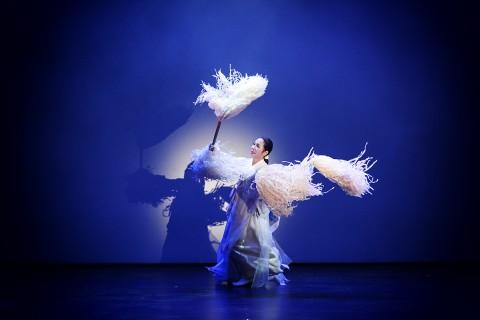 정주미 무용발표회는 재인청춤의 정수인 진쇠춤, 태평무, 엇중몰이신칼대신무와 부채산조, 심청의 춤을 선보인다