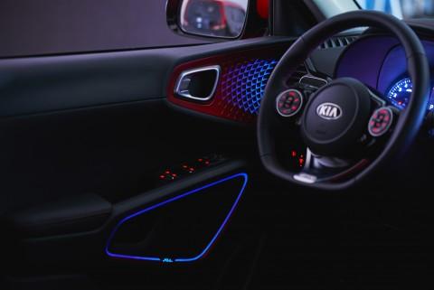 기아자동차는 쏘울 부스터에 탑재된 사운드 무드 램프의 주요 특장점을 공개했다