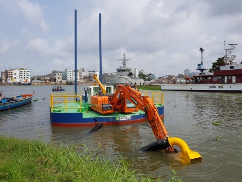 Baekkun Dredging Co., Ltd., which developed an eco-friendly amphibious dredger for the first time in Korea, plans to increase its export to emerging economies in Southeast and South Asia, including Bangladesh, Indonesia and India.