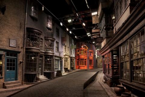해리포터 영화에 실제 나왔던 거리를 직접 거닐 수 있는 런던 해리포터 촬영지 투어