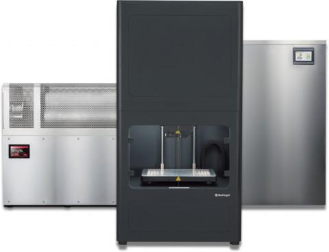 마크포지드의 Metal X Bundle은 제품을 출력하는 Metal X Printer, 출력한 제품의 바인더재질을 녹이는 Wash-1, 소결온도까지 높여 최종 제품을 만드는 Sinter-1/2 로 구성되어있다(사진 좌측부터 Sinter-1, Metal X, Wash-1)