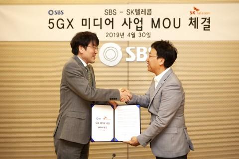 SKT가 SBS와 5G 기반 뉴미디어 사업개발 MOU를 체결했다