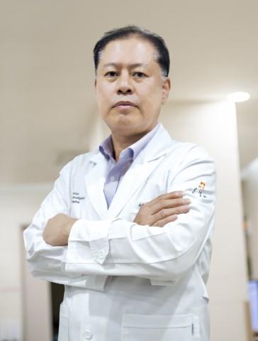 서울바른병원 척추센터에서 7월 1일 진료를 시작하는 엄진화 원장