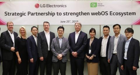 LG전자와 Qt가 webOS의 연구개발과 생태계 확대를 위한 사업협력을 맺었다