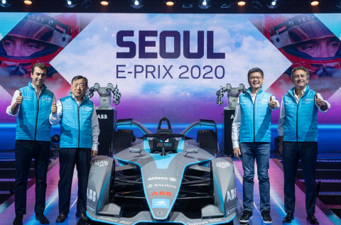 Caption from left to right: Alberto Longo, Deputy CEO and Chief Championship Officer, Formula E; Hee-Beom Lee, President, 2020 Seoul E-Prix Operation Committee; Sweeseng Lee, President, ABB South Korea; Alejandro Agag, CEO and Founder, Formula E