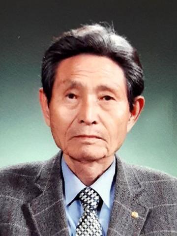 저자 김영만 선생