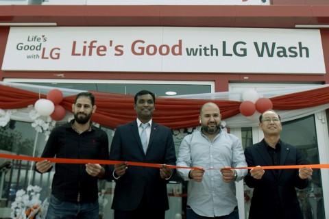 LG전자가 나이지리아 카노주에 위치한 LG 브랜드샵의 일부 공간에 무료 세탁방인 '라이프스 굿 위드 LG 워시'를 열었다