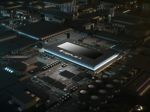 특성이 개선된 TSMC사 제조 7nm 프로세스를 채용한 KAMIKAZE II 칩. 반도체 설계 이론을 무시한 가로로 긴 칩종횡비를 채용하여 초저전력·대전류를 취급하는 채굴칩 특유의 문제점을 해결