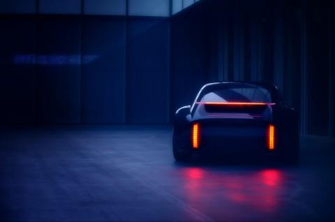 현대자동차가 미래 디자인의 방향성을 담아낸 새로운 EV 콘셉트카 프로페시의 티저 이미지를 공개했다
