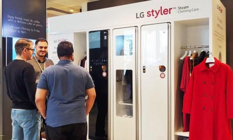 LG전자가 프리미엄 백화점을 운영하는 존 루이스의 영국 런던 소재 본사 1층에 LG 스타일러 체험존을 운영하고 있다