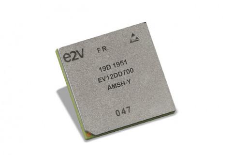 EV12DD700 평가 키트를 통해 엔지니어들은 올해 중으로 양산이 예정된 12.5GSamples/s EV12DD700의 핵심적인 운용 요소를 평가 할 수 있다