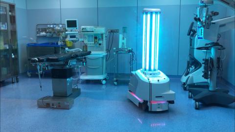 자율 소독 UVD 로봇은 현재 전 세계 50여개국에 성공적으로 출시됐다. 이탈리아의 여러 개인 병원을 운영하고 최근 UVD 로봇을 사용하기 시작한 그루포 폴로클리니코 아바노의 수석 외과의사 크리스티아노 후세르는 UVD 로봇을 받기 전에 사르디니아에있는 병원의 의사 6명이 코로나 바이러스에 감염된 상태였다며 우리는 2개월 전에 소독을 위해 로봇을 사용하기 시작한 이후 의사, 간호사 또는 환자가 COVID-19에 감염된 사례가 한 건도 없었다고 밝혔다