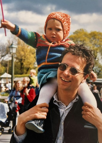 2002~3년 육아휴직 중인 야콥 할그렌 주한스웨덴대사와 첫째 딸
