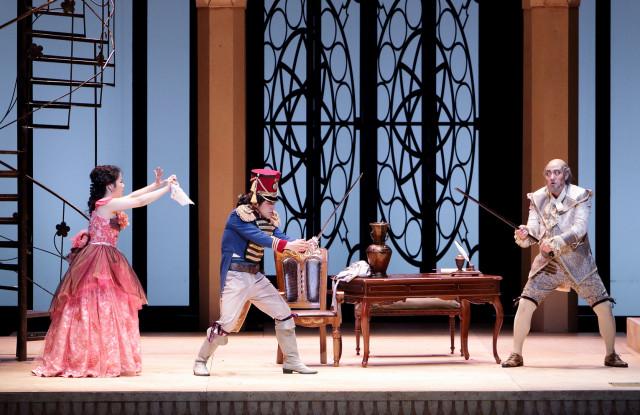 2015년 대구오페라하우스 세비야의 이발사 공연 장면