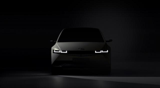 현대자동차가 아이오닉 5 티저 이미지를 최초 공개했다