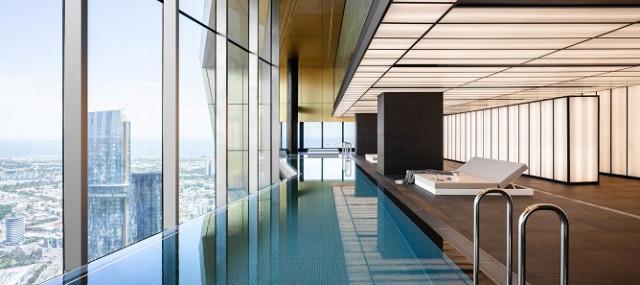 트윈피니티 풀은 아파트로는 세계에서 가장 높은 수영장을 가졌다