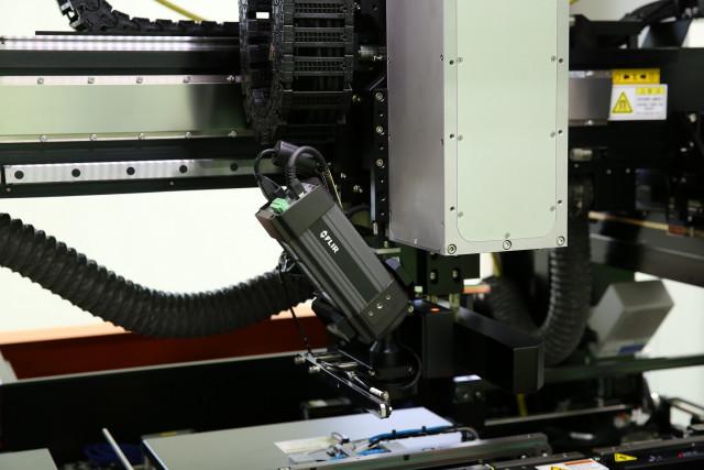 플리어가 개발한 FLIR A315 열화상카메라