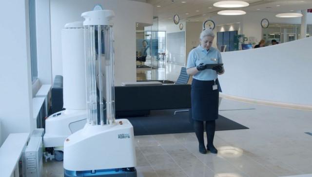 UVD 로봇은 우수한 세척 및 소독 효과를 보장한다. UVD 로봇은 기존의 고정식 소독 시스템과 달리 이동식 완전 자율 로봇으로 UV-C 광선을 통합해 표면과 공기 중에 있는 코로나19 등 모든 박테리아와 바이러스를 소독함으로써 완벽하게 포괄적인 감염 통제와 예방 솔루션을 제공한다. UVD 로봇은 어떤 공간에서도 박테리아와 바이러스를 99.99% 제거해 질병 확산을 줄일 수 있다. 해당 로봇은 전 세계 70여 개국에서 출시됐다