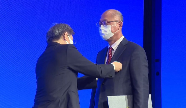 이주찬 대표이사가 2021 대한민국 중소기업인대회에서 유공자로 선정돼 권칠승 중소벤처기업부 장관으로부터 산업포장을 수상했다