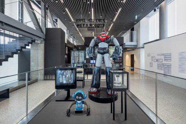 현대모터스튜디오 부산에 개최한 '헬로 로봇, 인간과 기계 그리고 디자인' 전시회